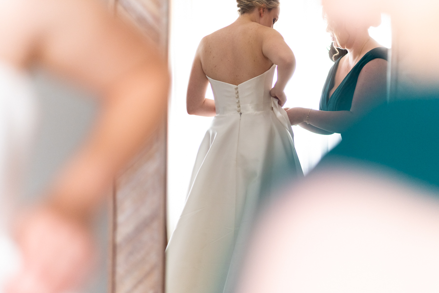 Green and gold for Rebecca & David's Dodmoor House (Daventry) wedding, with Pudding & Plum Photography (18)