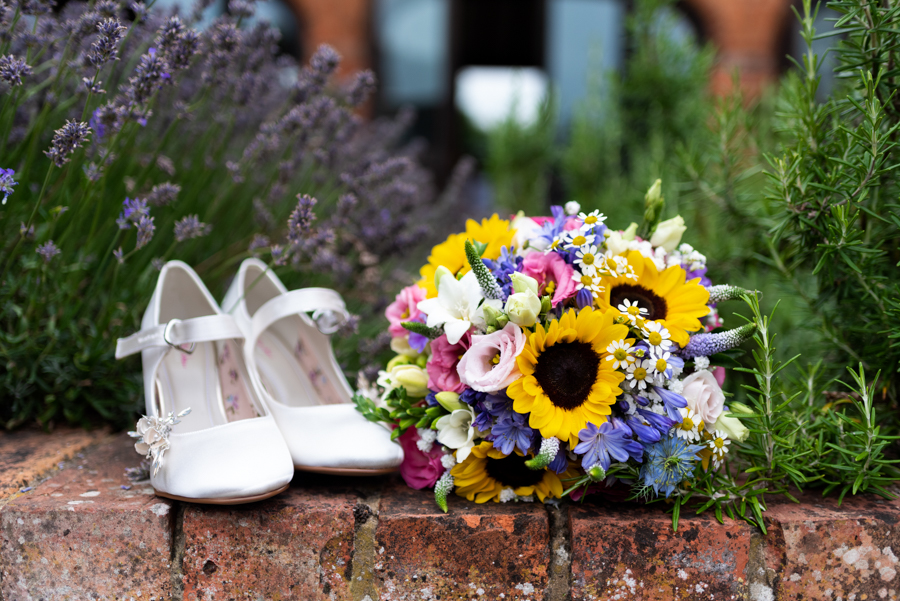 Green and gold for Rebecca & David's Dodmoor House (Daventry) wedding, with Pudding & Plum Photography (3)
