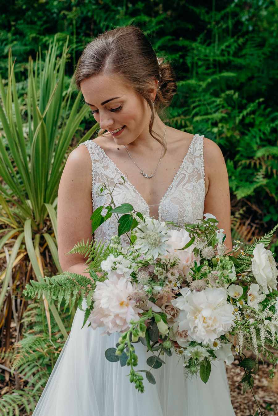 Daisy & Alex's beautiful Lakeview Manor (Devon) wedding, with Clare Kinchin Photography (17)
