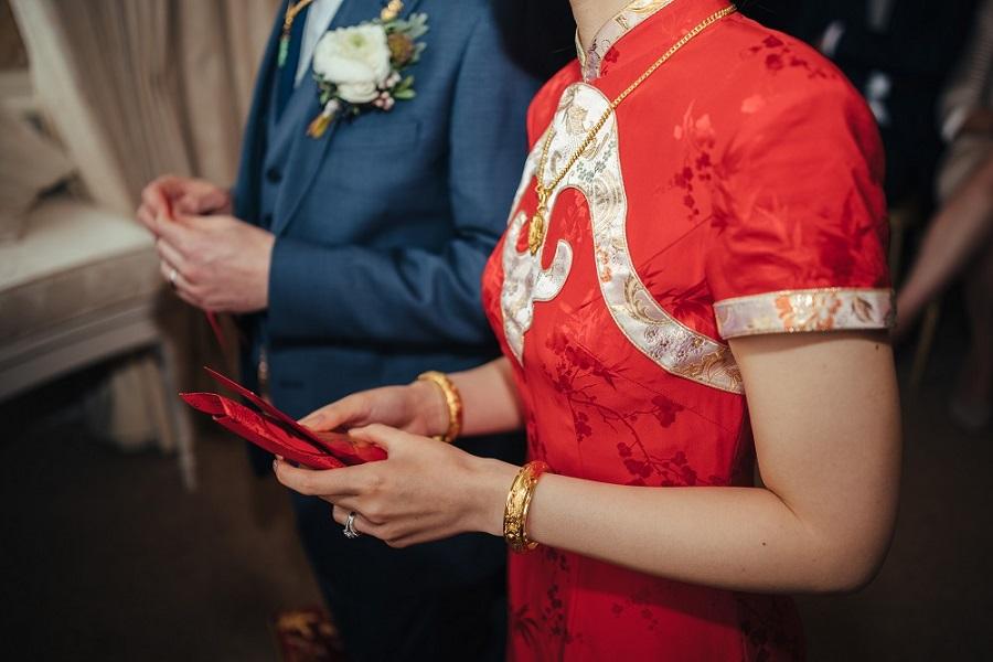 Matt & Liz from Elizabeth Weddings, photo by Cat Beardsley Photography on English Wedding Blog (45)