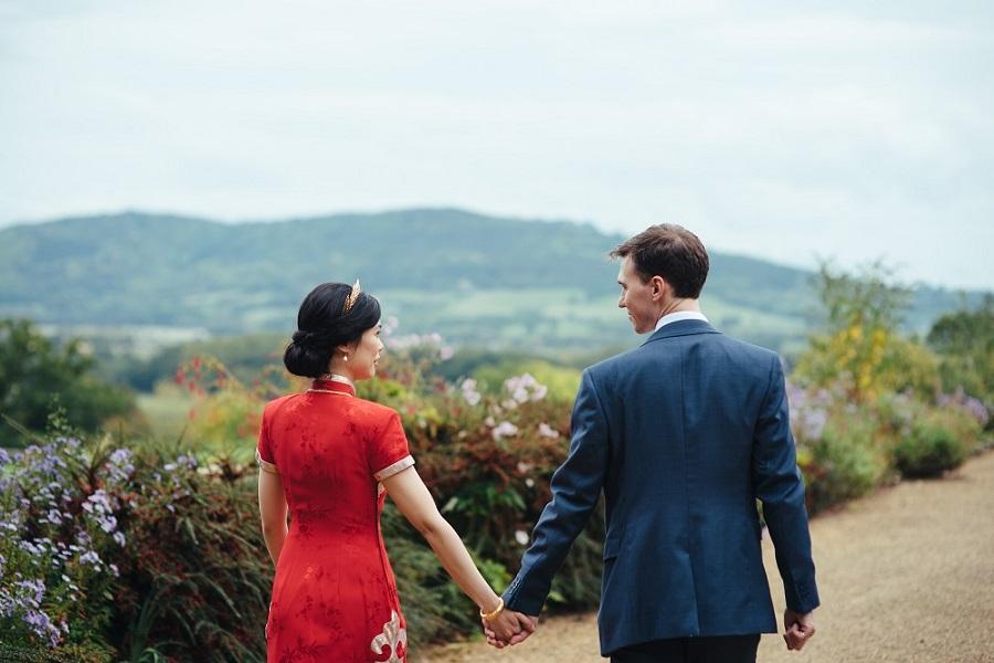 Matt & Liz from Elizabeth Weddings, photo by Cat Beardsley Photography on English Wedding Blog (47)