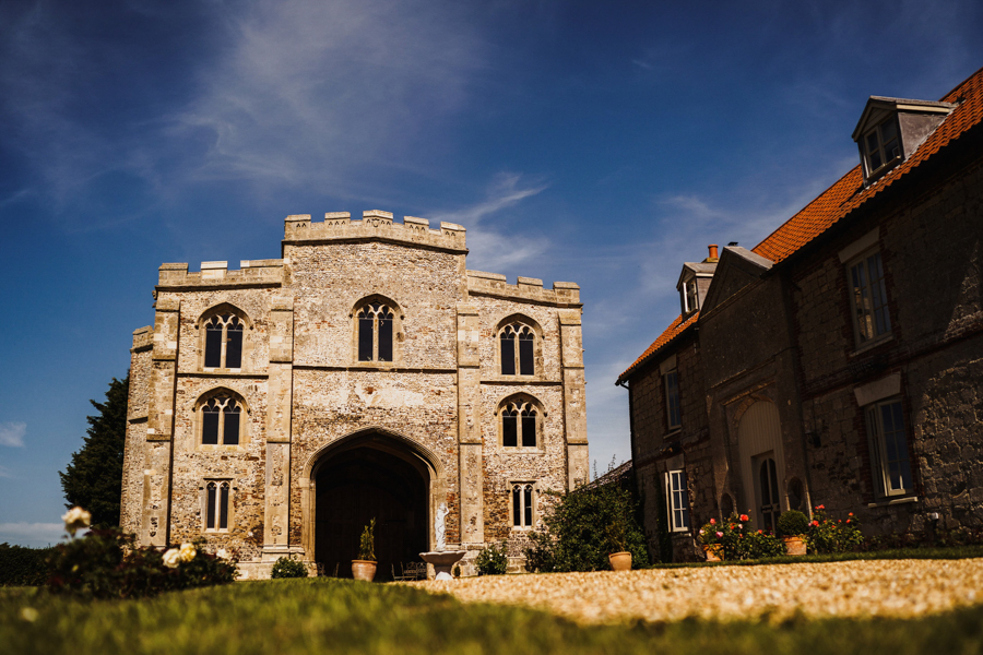 Charlotte & Sean's beautiful Pentney Abbey (Norfolk) wedding, with Rob Dodsworth Photography (2)