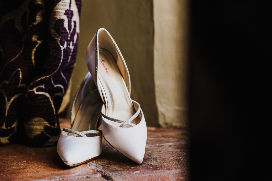 Charlotte & Sean's beautiful Pentney Abbey (Norfolk) wedding, with Rob Dodsworth Photography (11)