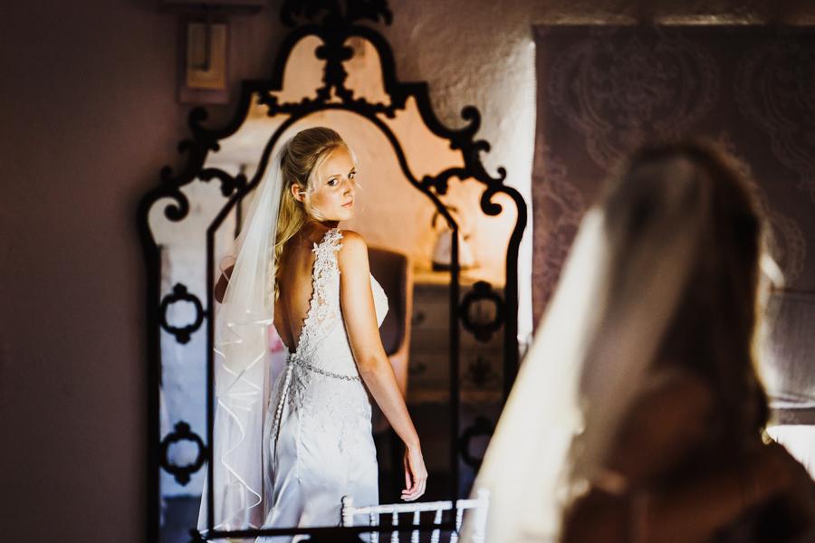 Charlotte & Sean's beautiful Pentney Abbey (Norfolk) wedding, with Rob Dodsworth Photography (17)