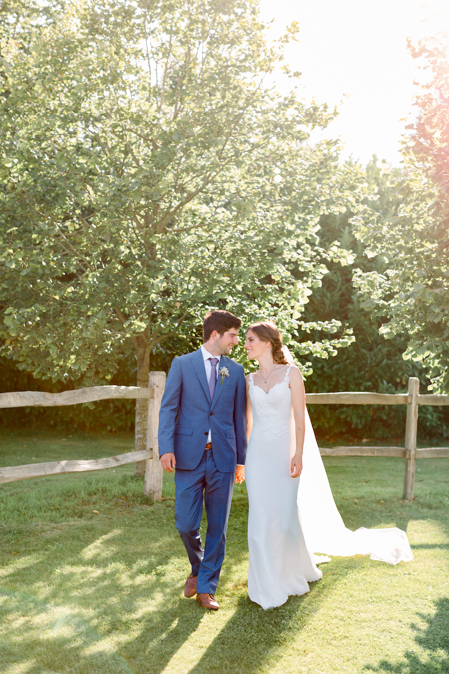 Louisa & Will's light and airy sunflower wedding at Lapstone Barn, with Hannah K Photography (36)