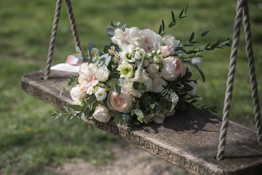 Quintessentially beautiful English wedding style with blush florals (7)