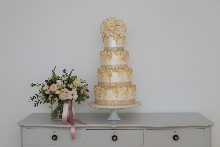 Quintessentially beautiful English wedding style with blush florals (19)