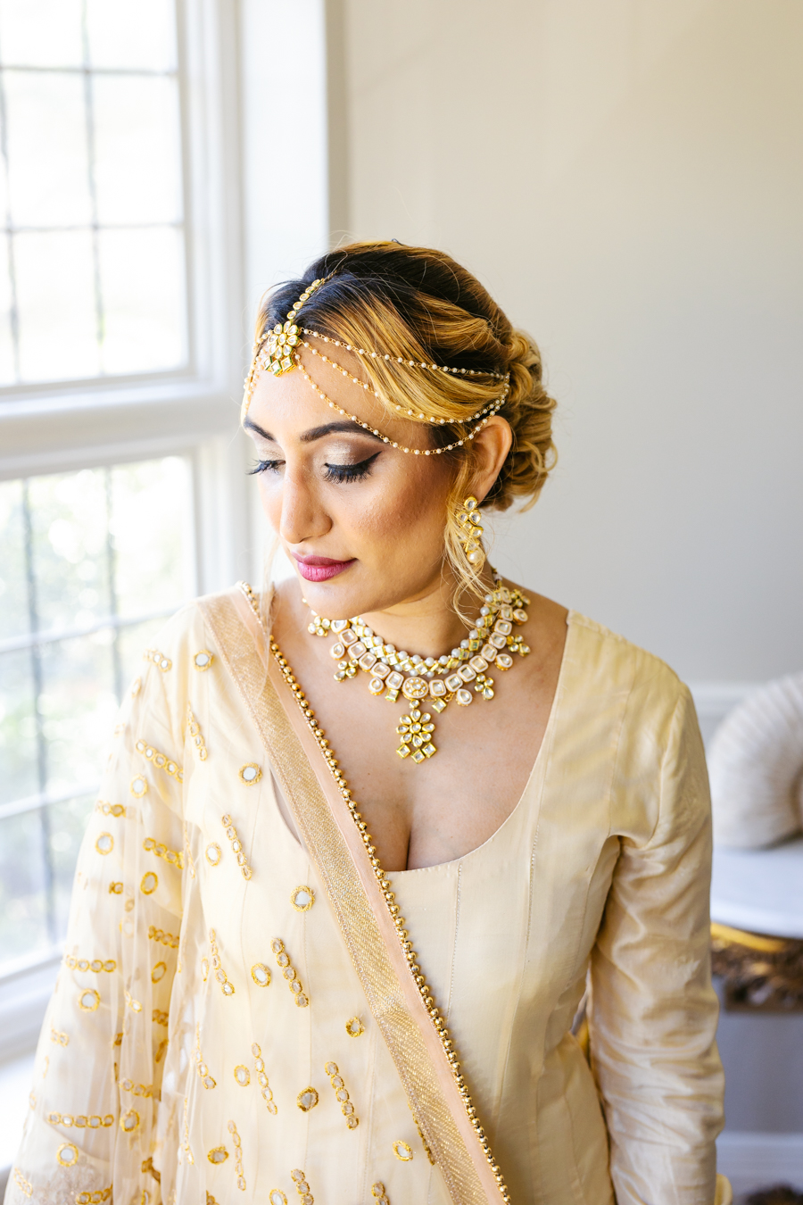 modern Asian wedding inspiration from Baddow House, photo credit Martin Beale (17)