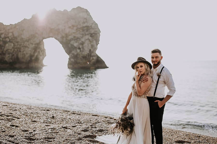 Sunrise elopement shoot! Westlake Photography and the Rustic Dresser (22)