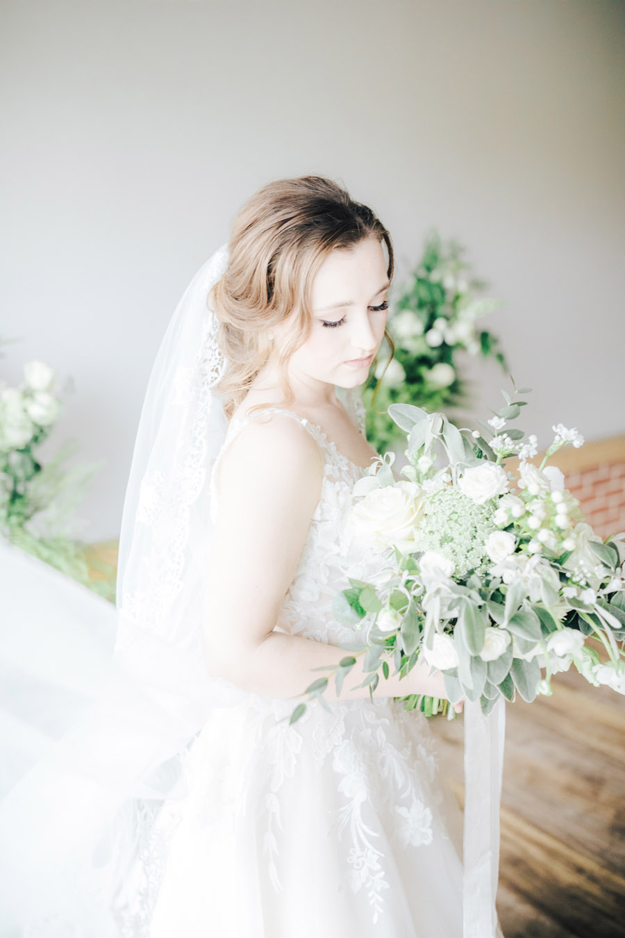A fairytale of soft tones, for a beautiful wedding look from Sissons Barn (5)