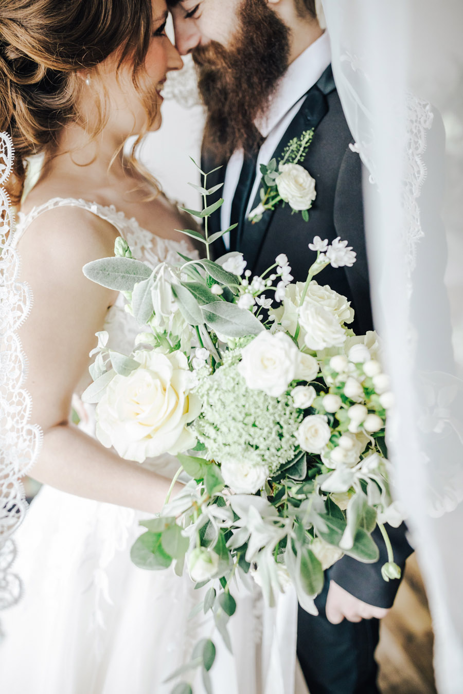A fairytale of soft tones, for a beautiful wedding look from Sissons Barn (6)