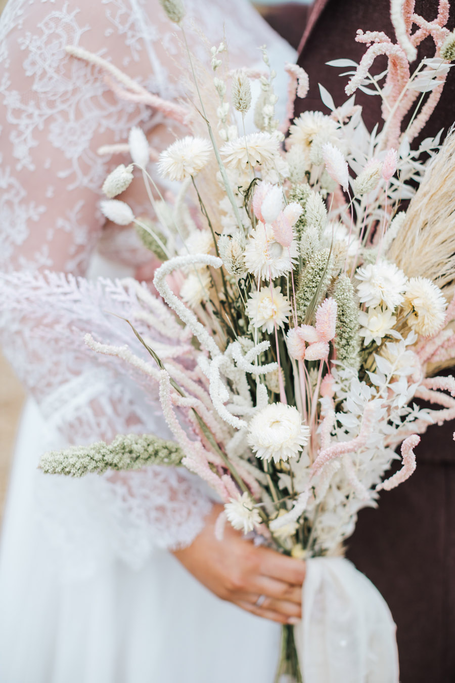 Rustic and Blush Barn Style with oodles of countryside charm (1)