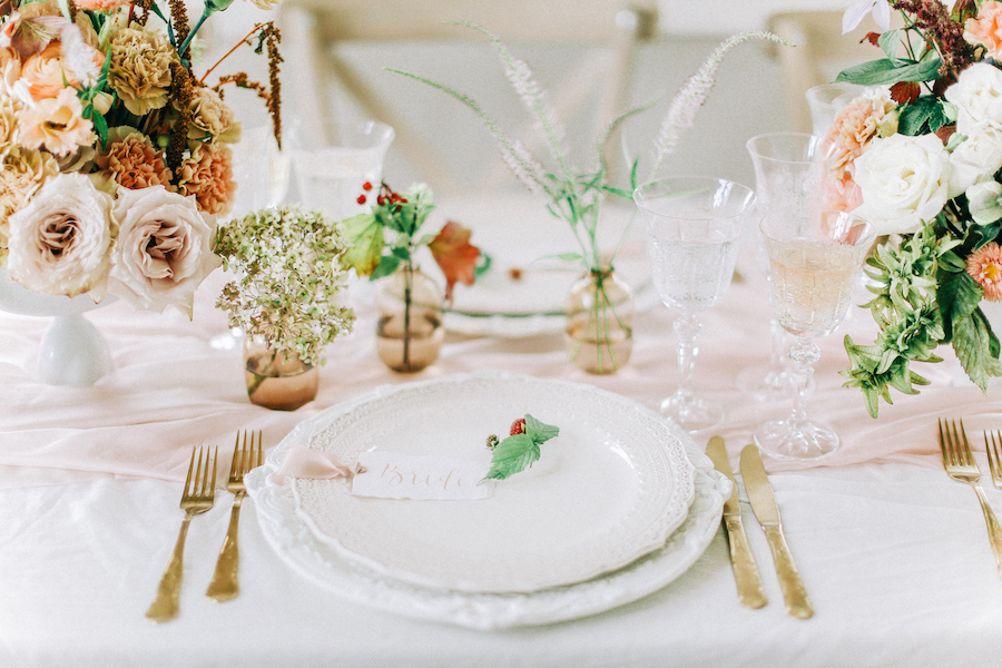 Romantic, French inspired wedding inspiration with masterful florals (15)