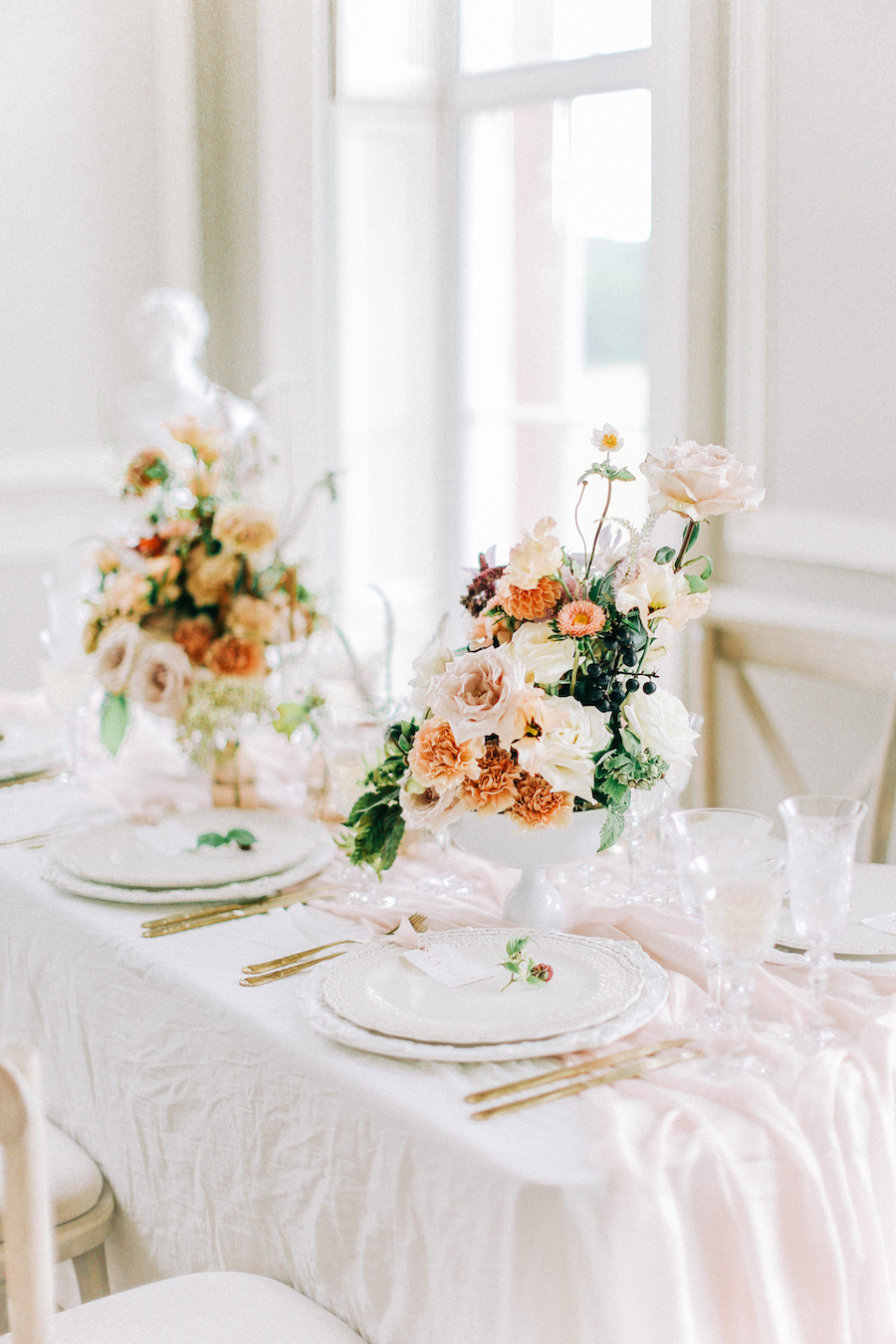 Romantic, French inspired wedding inspiration with masterful florals (16)