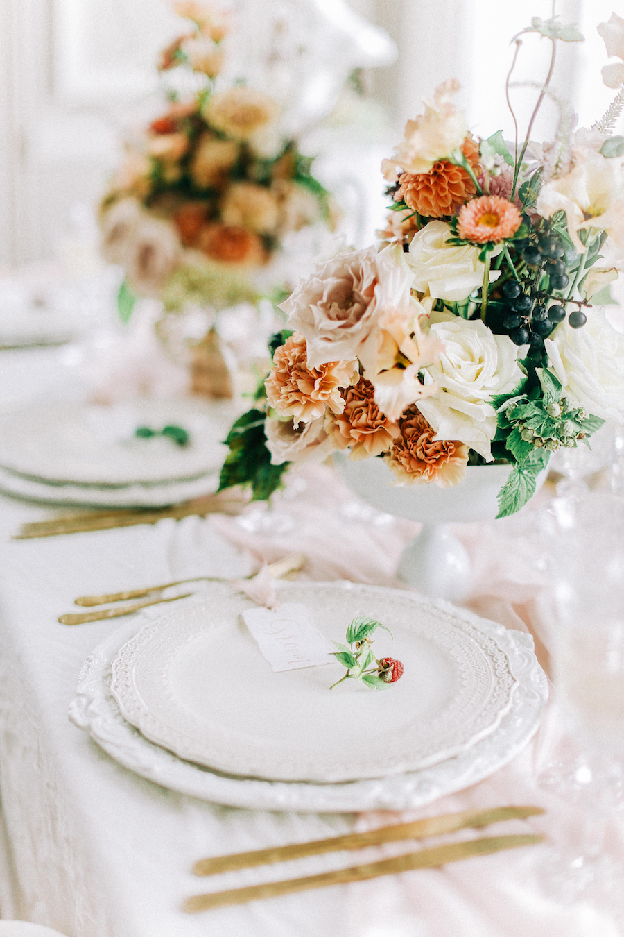 Romantic, French inspired wedding inspiration with masterful florals (17)