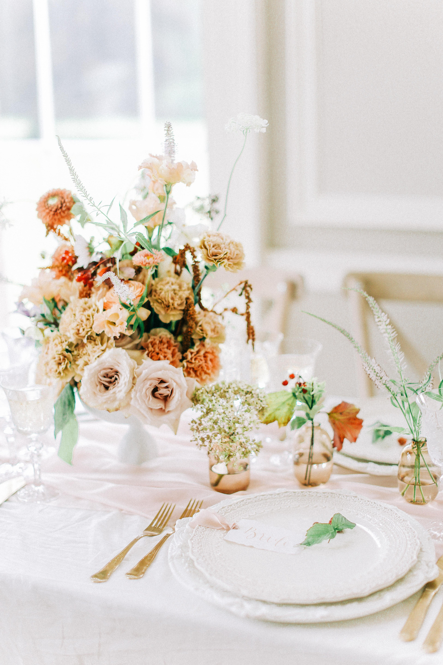 Romantic, French inspired wedding inspiration with masterful florals (18)