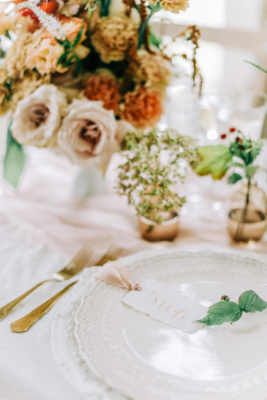 Romantic, French inspired wedding inspiration with masterful florals (19)