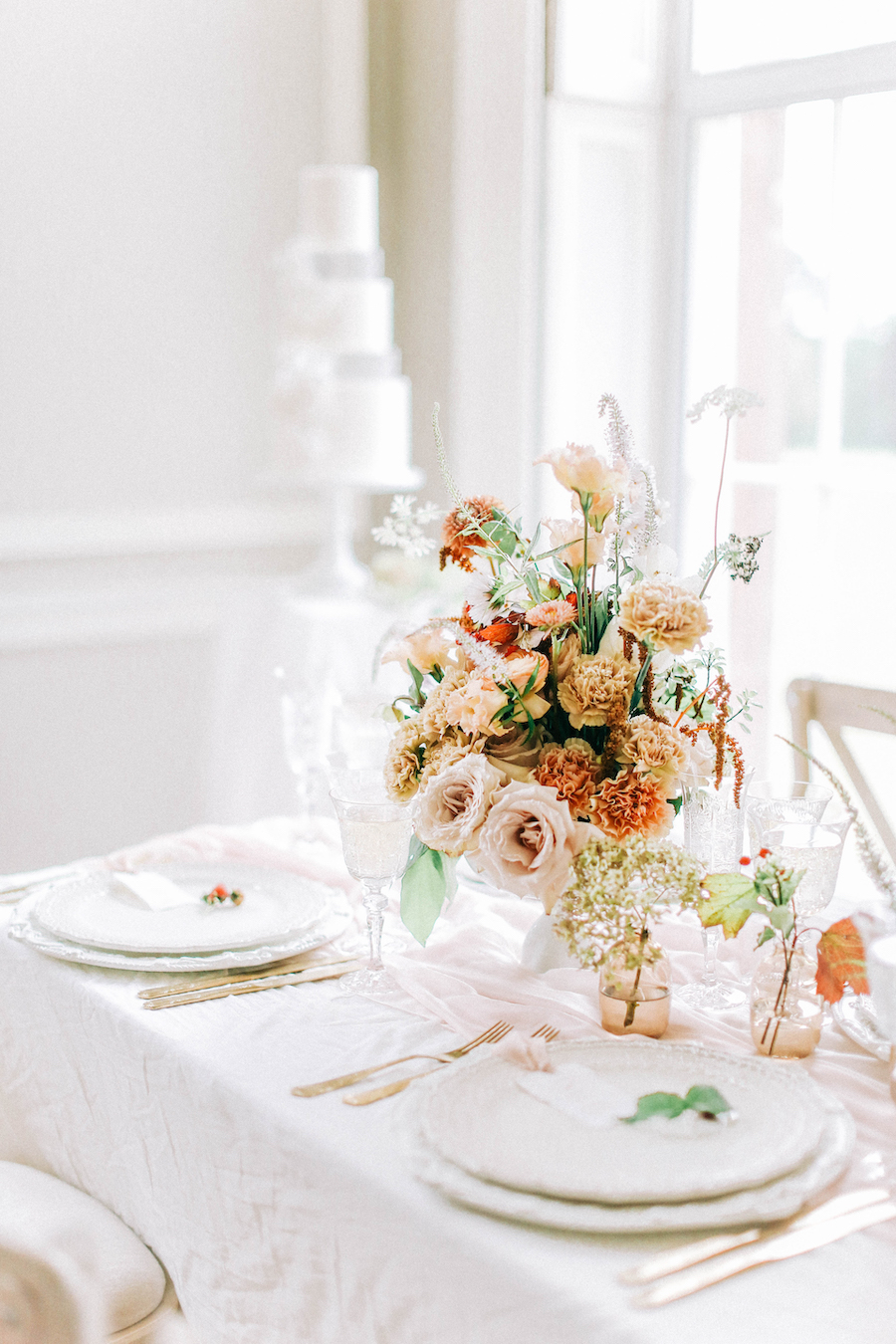 Romantic, French inspired wedding inspiration with masterful florals (21)