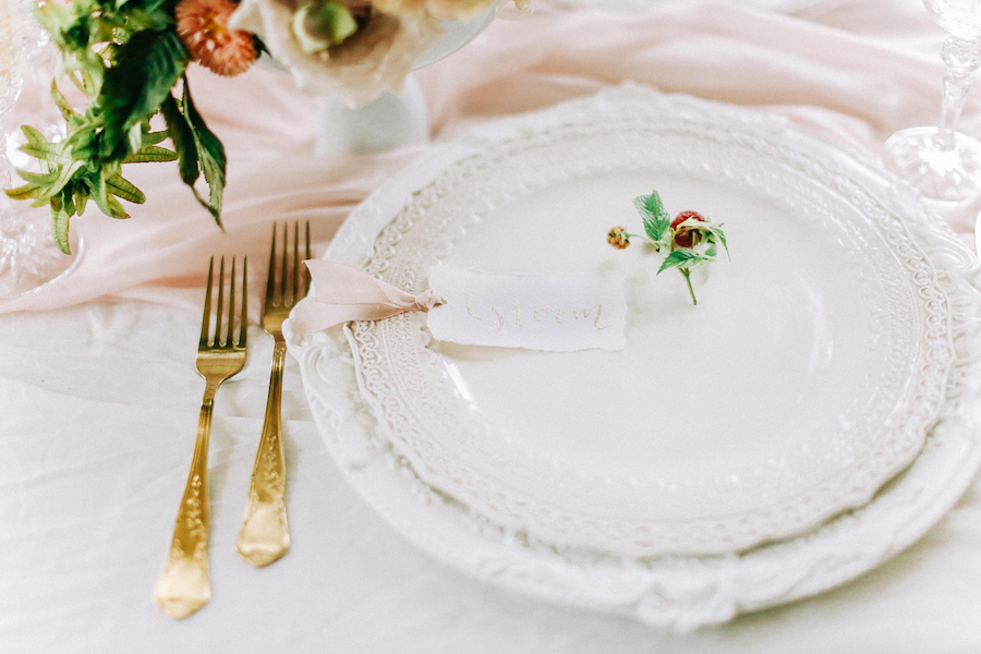 Romantic, French inspired wedding inspiration with masterful florals (22)
