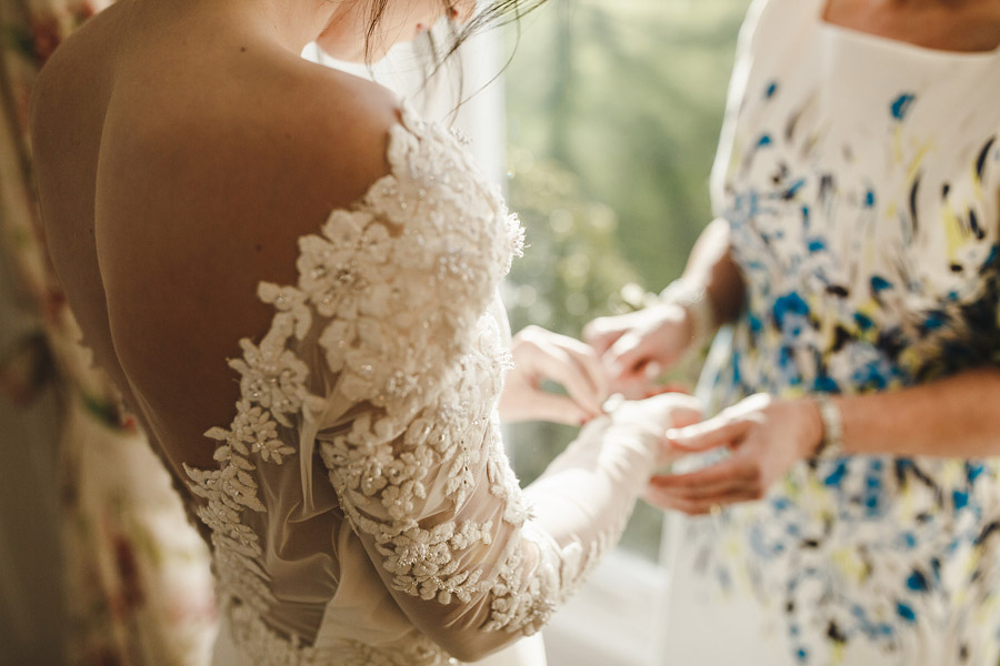 Glorious winter to spring wedding style at Hooton Pagnell, image credit Crayden Wedding Photography (3)