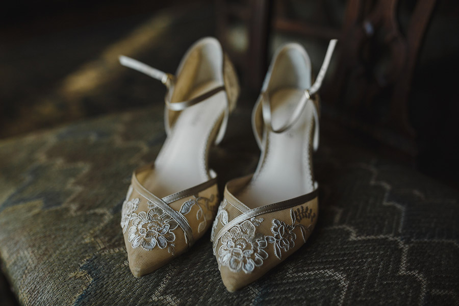 Glorious winter to spring wedding style at Hooton Pagnell, image credit Crayden Wedding Photography (1)