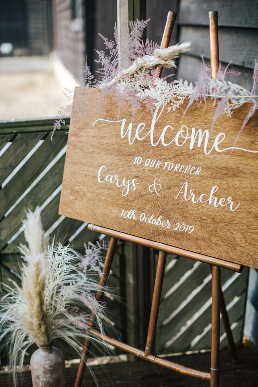Rustic and Blush Barn Style with oodles of countryside charm (40)