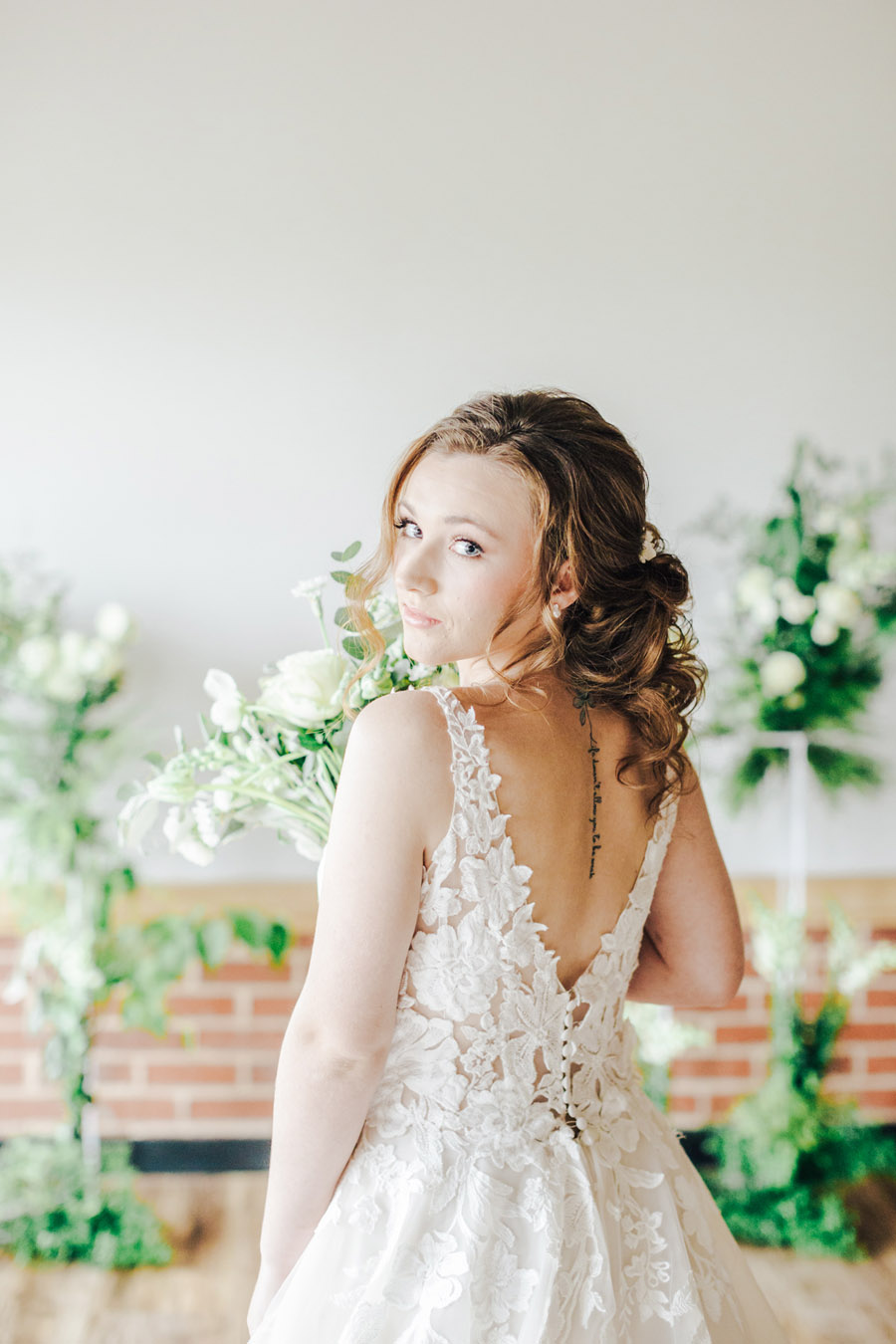A fairytale of soft tones, for a beautiful wedding look from Sissons Barn (19)