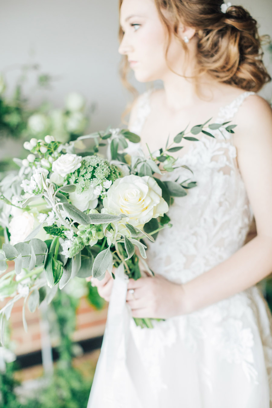 A fairytale of soft tones, for a beautiful wedding look from Sissons Barn (20)