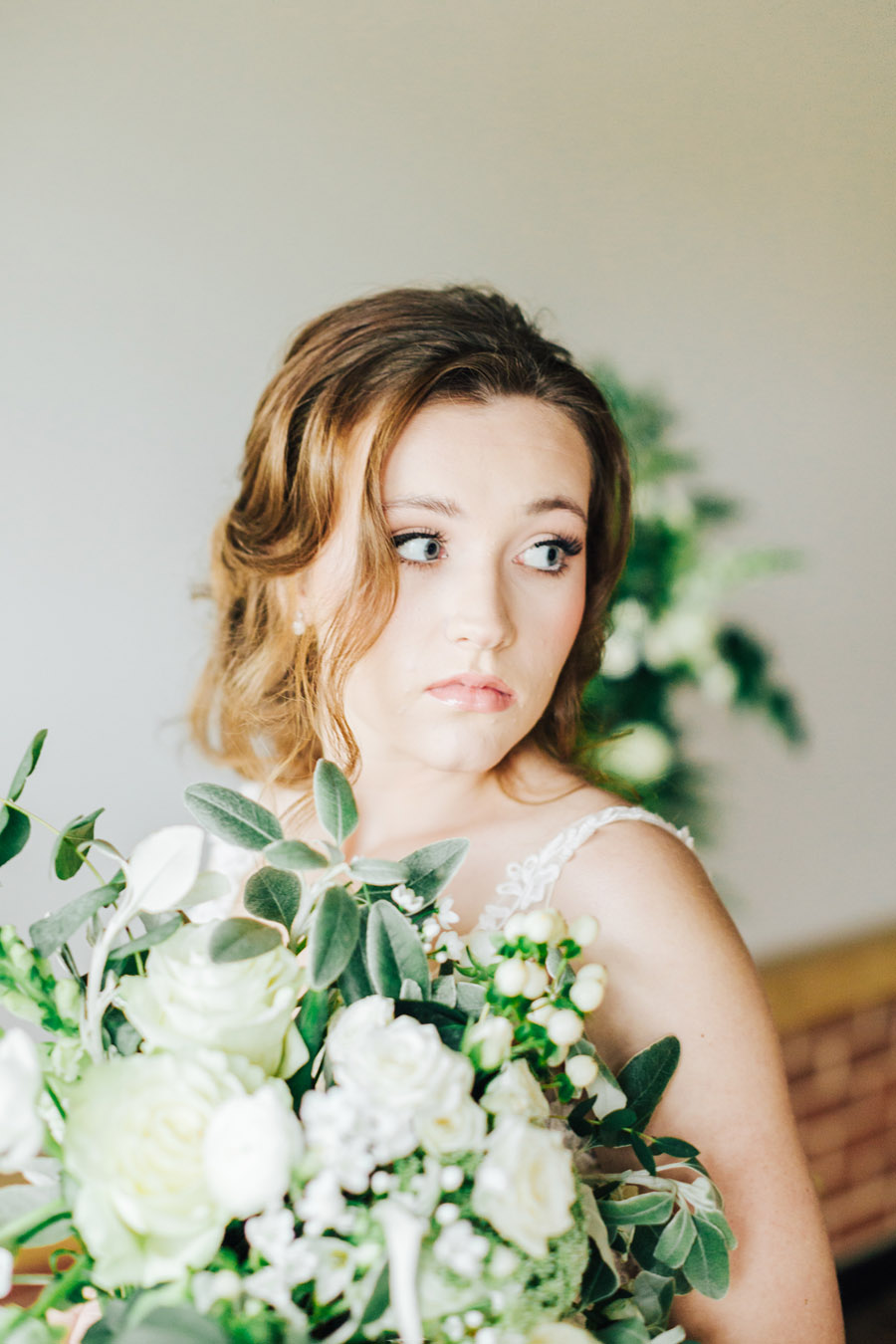 A fairytale of soft tones, for a beautiful wedding look from Sissons Barn (21)