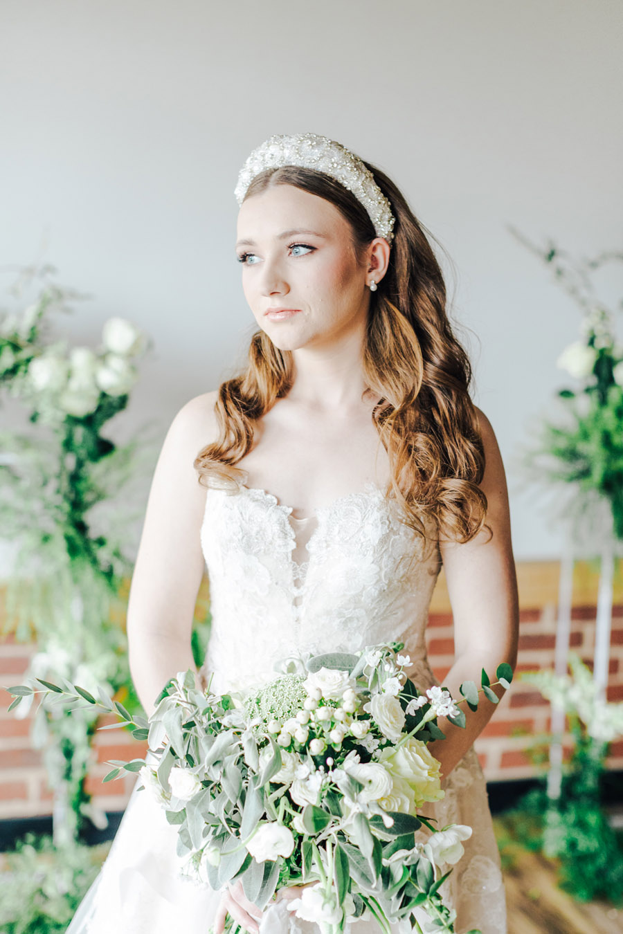 A fairytale of soft tones, for a beautiful wedding look from Sissons Barn (23)