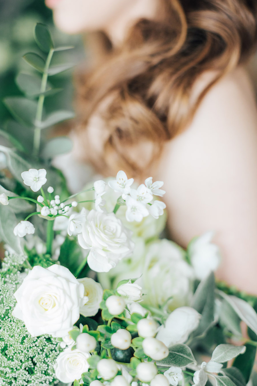 A fairytale of soft tones, for a beautiful wedding look from Sissons Barn (25)