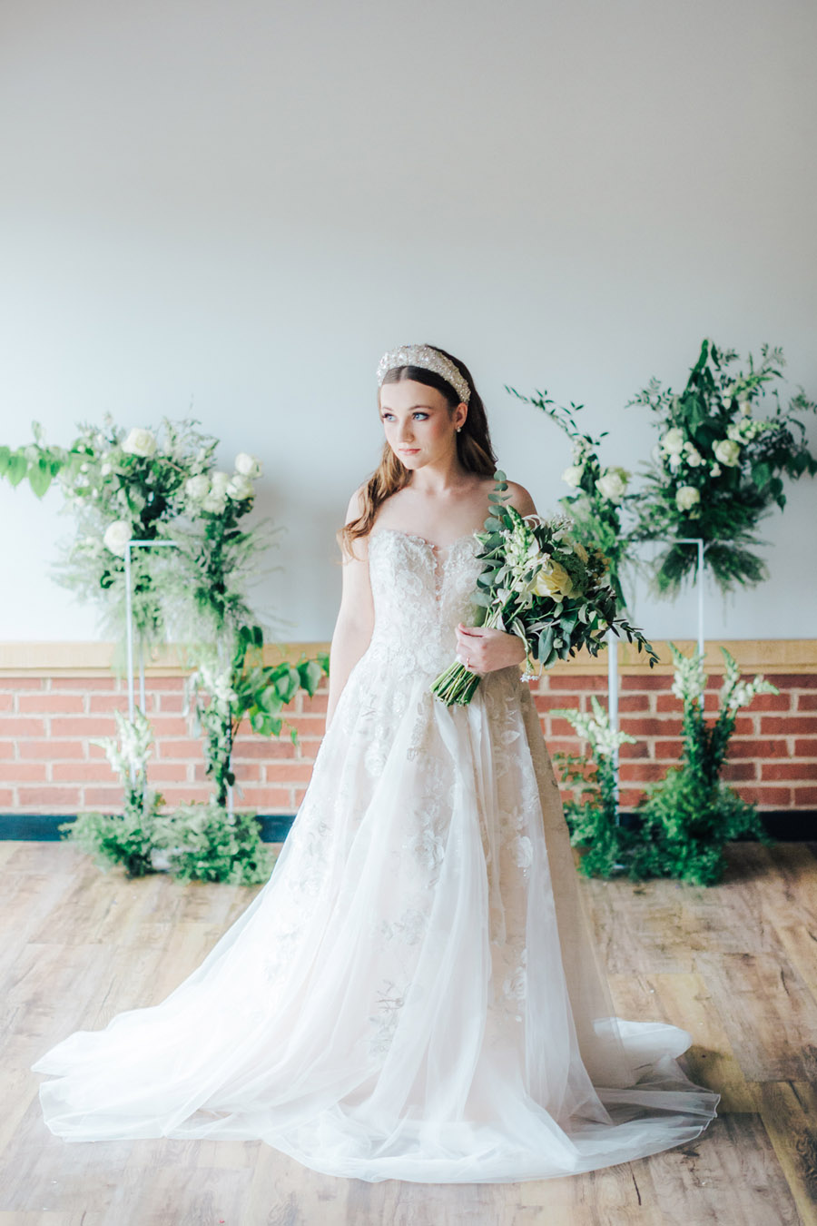 A fairytale of soft tones, for a beautiful wedding look from Sissons Barn (26)