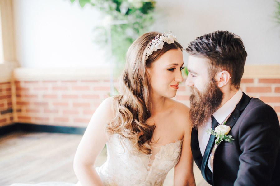 A fairytale of soft tones, for a beautiful wedding look from Sissons Barn (32)