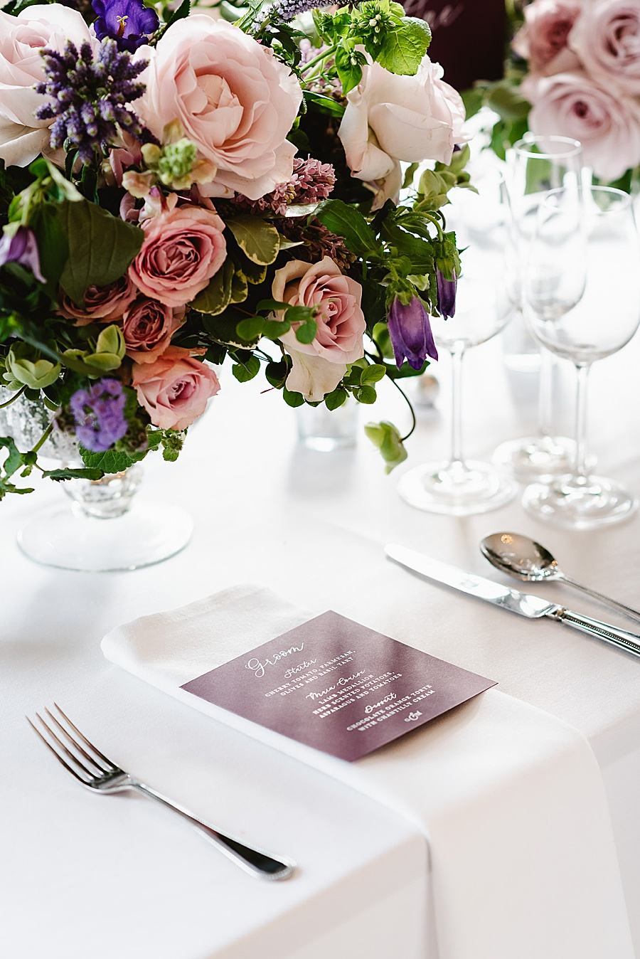 chic, contemporary London wedding style with amazing florals. Image credit Fiona Kelly Photography (11)