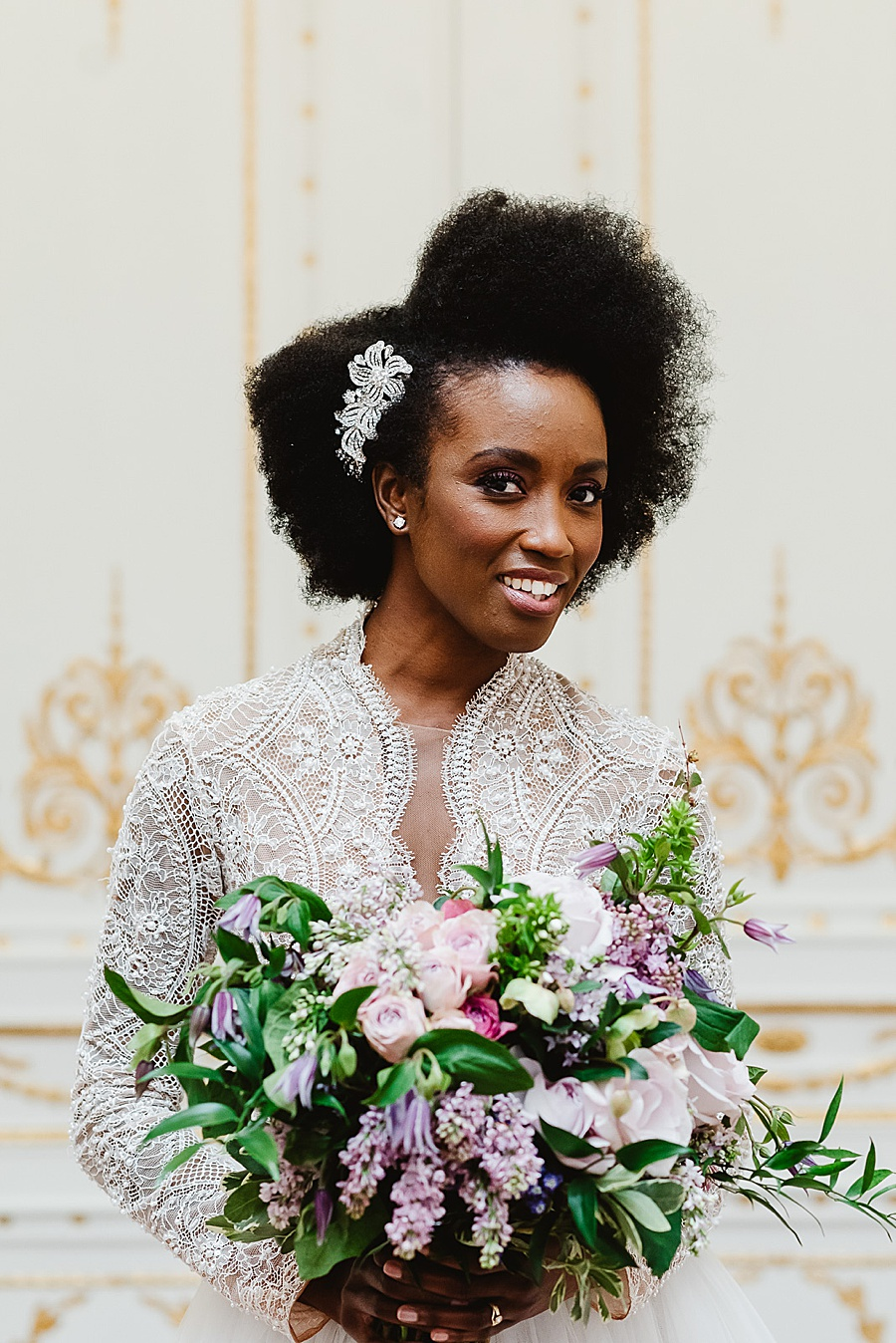 chic, contemporary London wedding style with amazing florals. Image credit Fiona Kelly Photography (21)