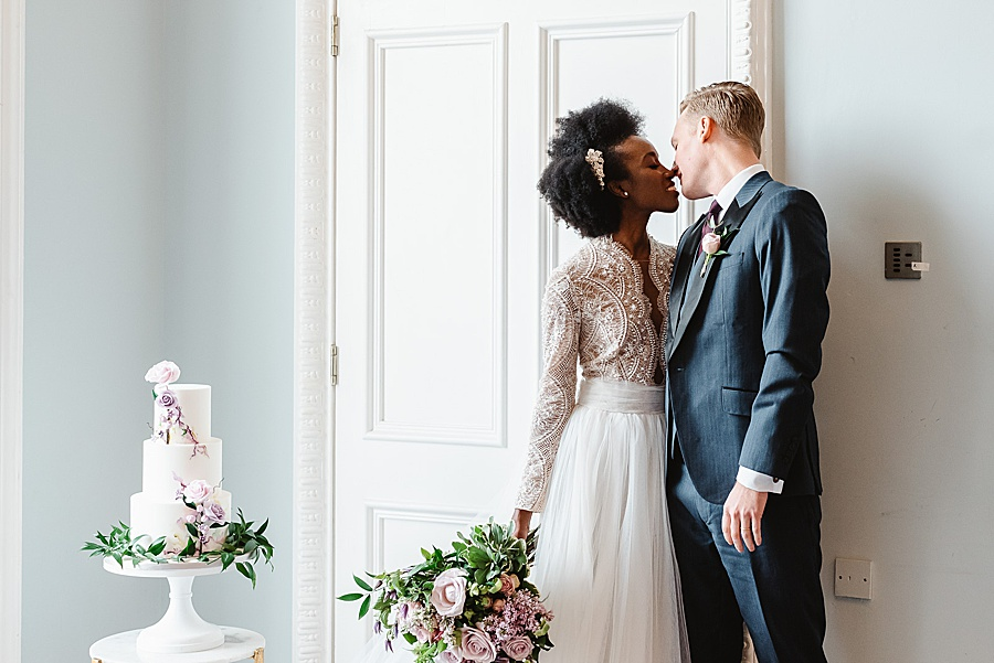 chic, contemporary London wedding style with amazing florals. Image credit Fiona Kelly Photography (24)