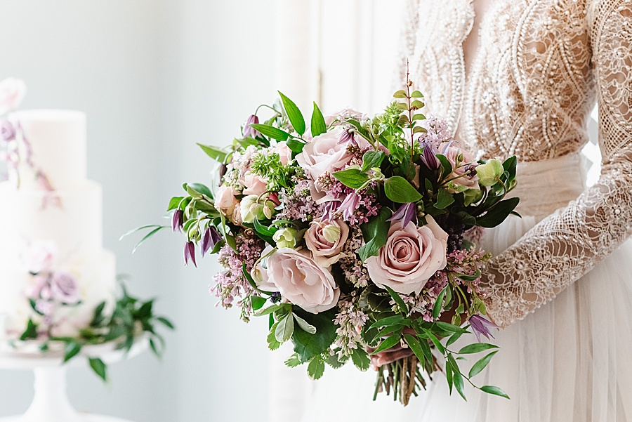 chic, contemporary London wedding style with amazing florals. Image credit Fiona Kelly Photography (28)