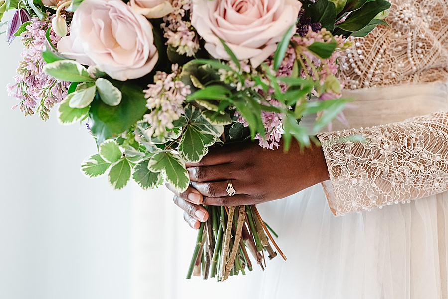 chic, contemporary London wedding style with amazing florals. Image credit Fiona Kelly Photography (29)