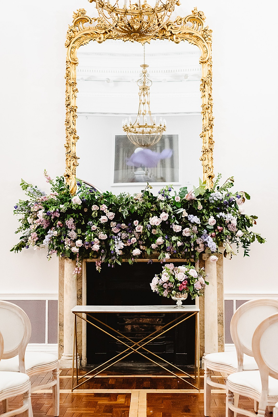 chic, contemporary London wedding style with amazing florals. Image credit Fiona Kelly Photography (30)