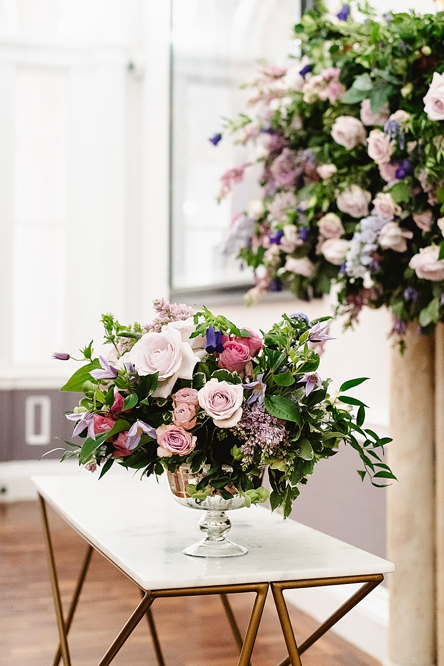 chic, contemporary London wedding style with amazing florals. Image credit Fiona Kelly Photography (31)