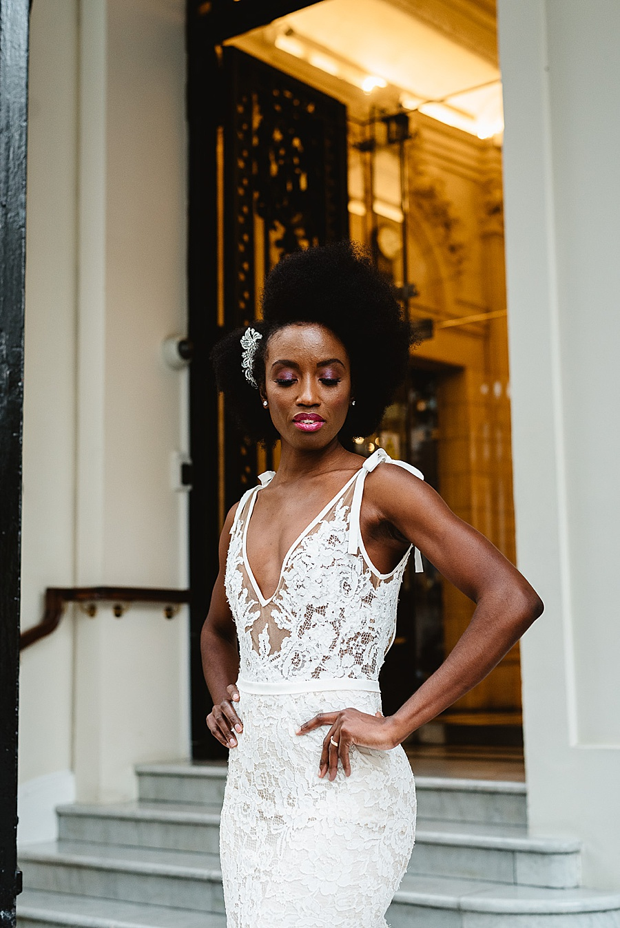 chic, contemporary London wedding style with amazing florals. Image credit Fiona Kelly Photography (46)