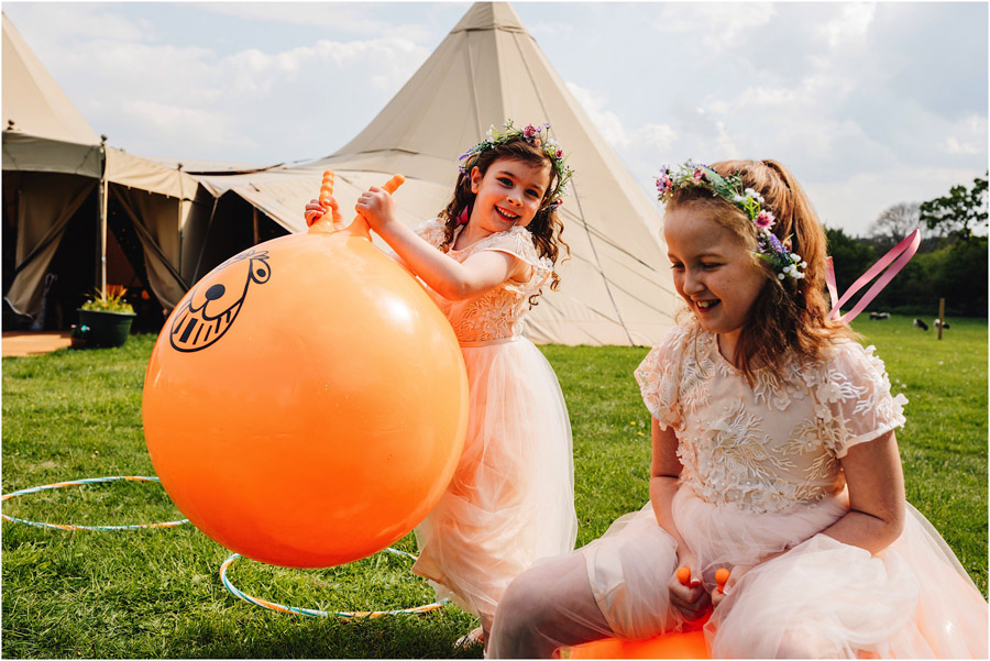 Colour EVERYWHERE for Jade & Matt's spring wedding, with J S Coates Wedding Photography (27)