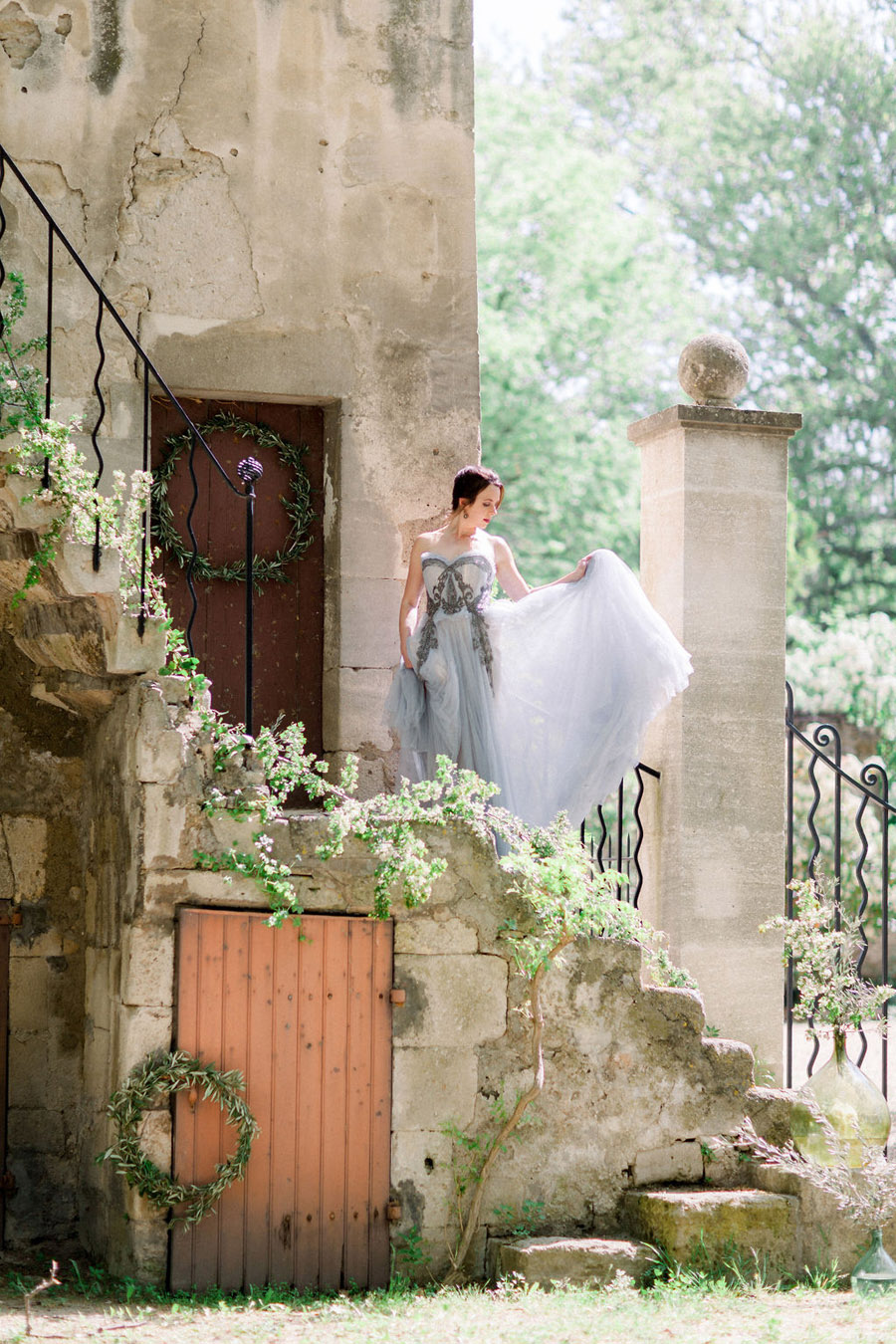 Soft blue tones for a French Chateau wedding style, with Jo Bradbury Photography (14)