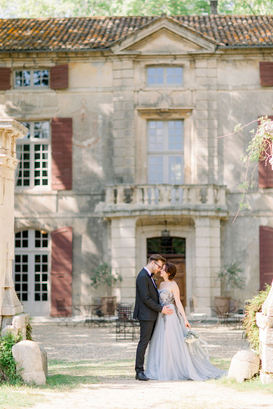 Soft blue tones for a French Chateau wedding style, with Jo Bradbury Photography (30)