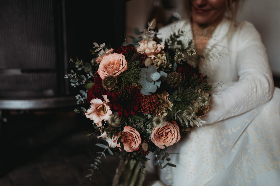 Enchanted garden vintage elopement with Thyme Lane Photography (26)