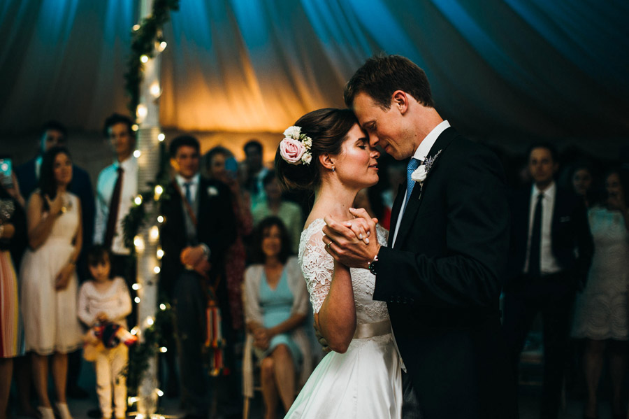 slow dancing first dance wedding, image by Simon Biffen Photography