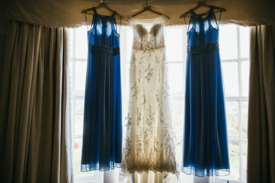 Kirsty & Ben's laid back rustic wedding at Froginwell vineyard, with Simon Biffen Photography (3)