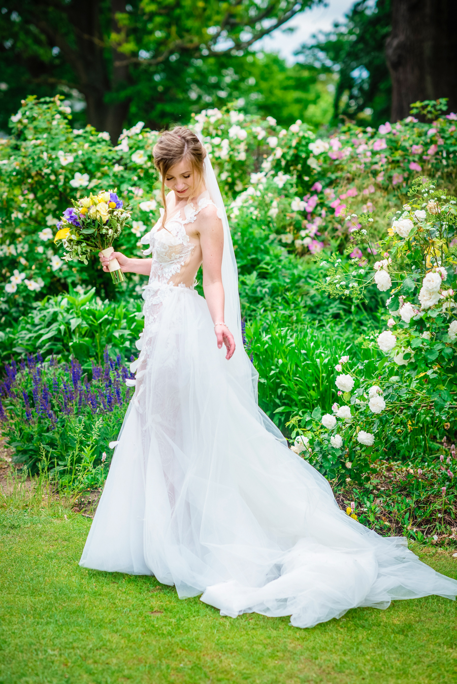 David and Valerie's gorgeous English garden wedding, with GK Photography (22)