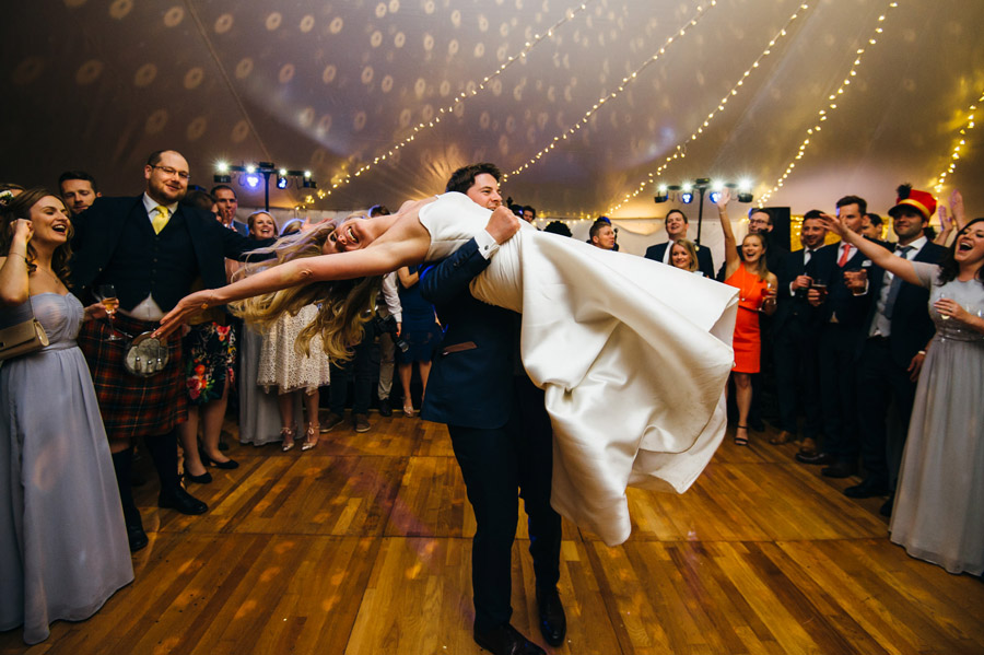lift and spin first dance routine, image by Simon Biffen Photography