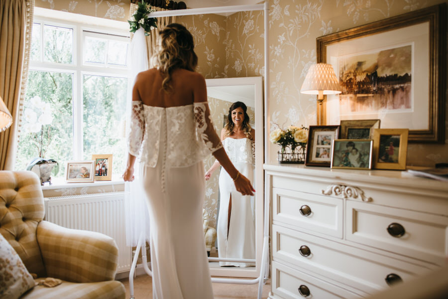 Super elegant and sophisticated black tie wedding in Hertfordshire, photographer credit Simon Biffen Photography (14)